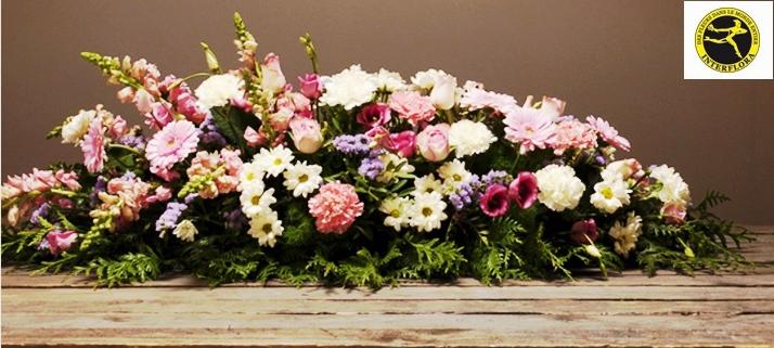 envoyer des fleurs pour un d c s pivoine etc. Black Bedroom Furniture Sets. Home Design Ideas