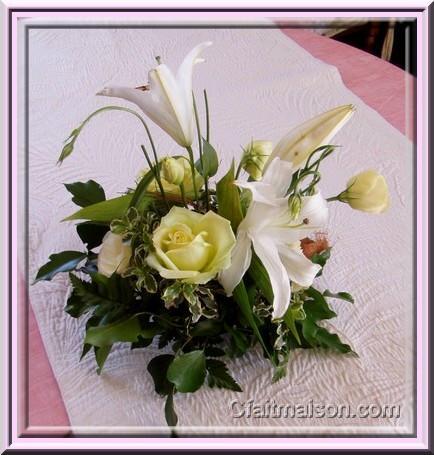 Decoration de fleurs pour table pivoine etc - Decoration florale maison ...