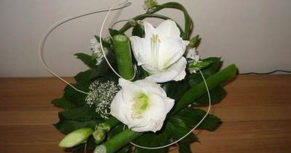 Composition florale vert et blanc pivoine etc for Composition florale exterieur hiver