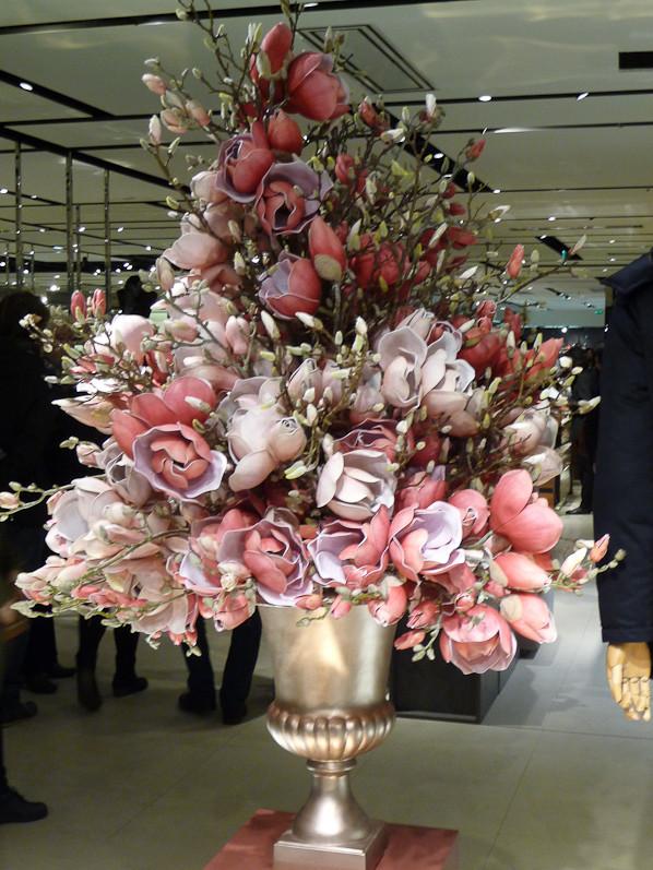 Decor De Fleurs Artificielles Dans Un Grand Vase